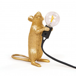 PLACE FURNITURE SELETTI LIGHTING TABLE LAMP 15072_GLD Gold Mouse Lamp Standing Step 01